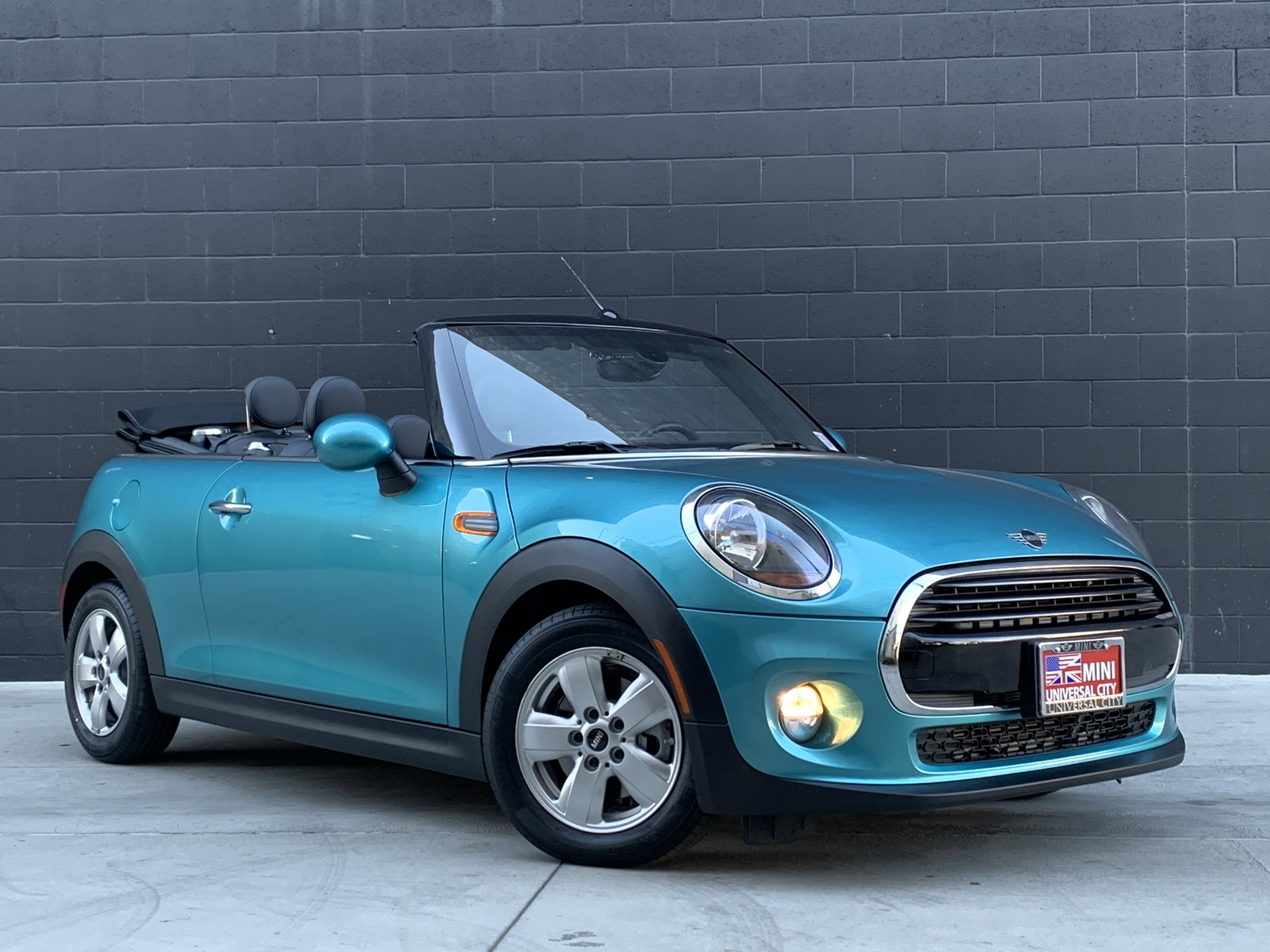 Pre-Owned 2019 MINI  Convertible  Cooper Convertible 2D