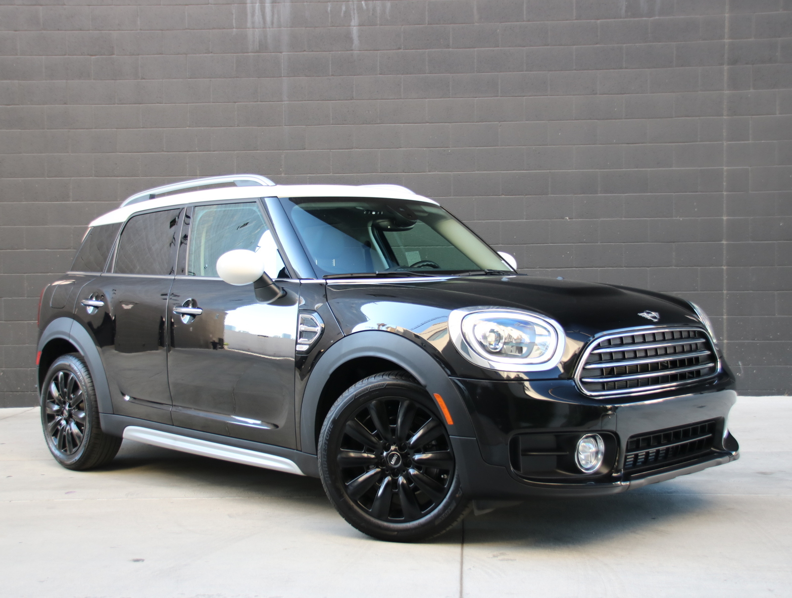 Pre-Owned 2019 MINI  Countryman  Cooper Hatchback 4D